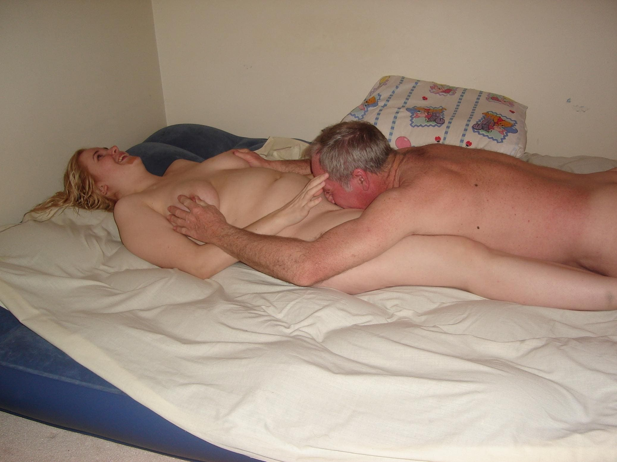 الصور الإباحية الخاصة لممارسة الجنس مع النساء. مئة وأربعون صورة مجانية!