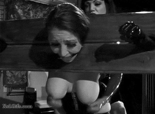 BDSM GIFs. Subordinazione, collegamento, animazione BDSM porno
