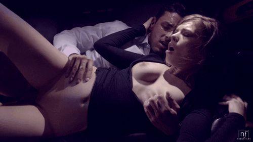 GIFs Sex im Auto. Über 100 animierte Pornobilder! Hier herunterladen