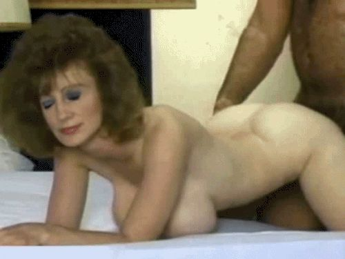 Porno GIF Animation of Mature Women. Sex with Old Maidens on Animated Pictures